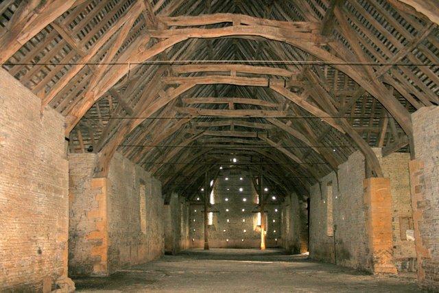 Middle Littleton Tithe Barn